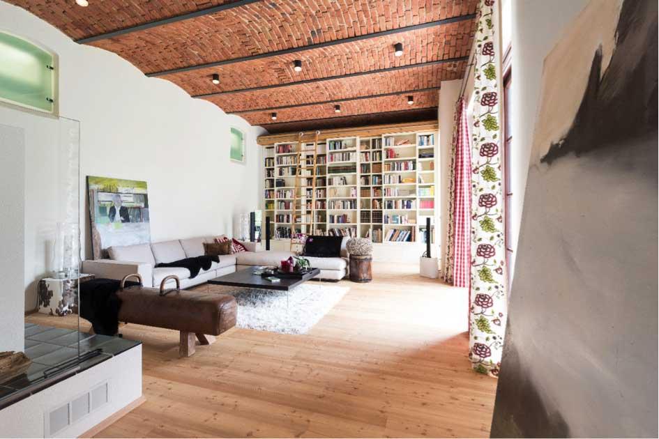 HANDWERK im Wohnsalon – Meistermöbel – die neue Zuflucht der Bücher